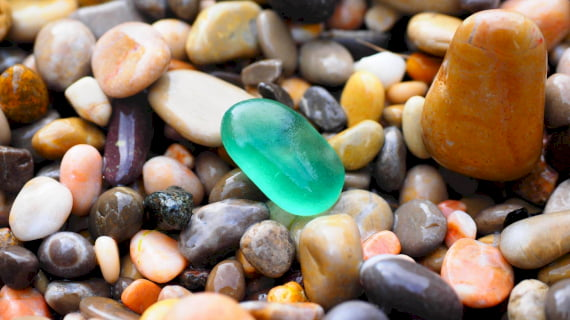 pebbles-1090536_1920_pixabay.jpg