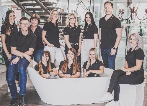 ELEMENTS-Team Hof