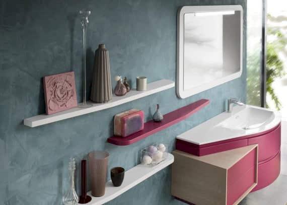 Waschtichunterschrank und Regal im Bad